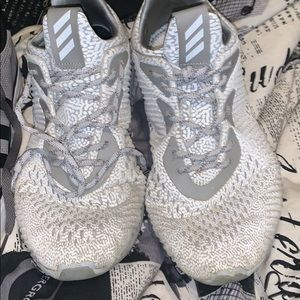 Adidas alpha bounces size 11